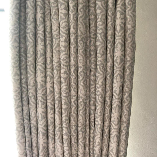 Curtains in Lakshmi soft grey blotch