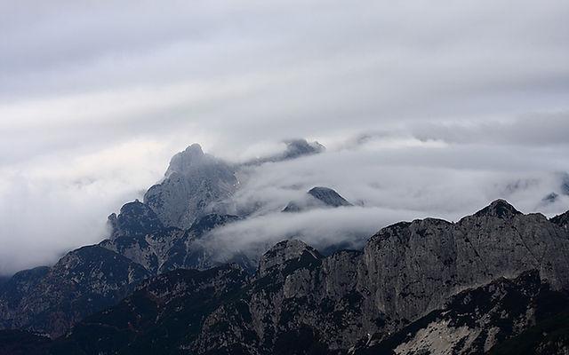 Montagne Brouillard B & W