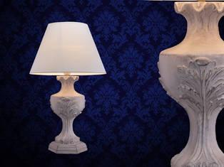 THREE LEAVES TABLE LAMP.jpg