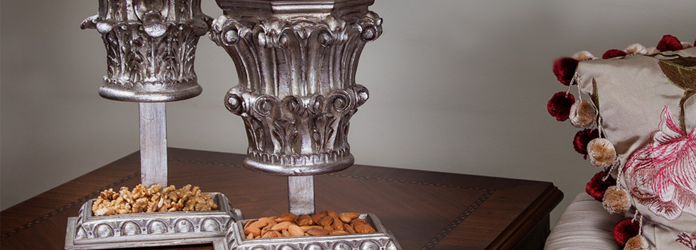Capital Stand Silver