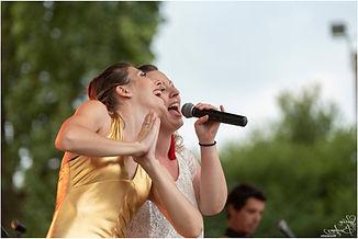 Live Fever sur scène - Amélie et Anaëlle