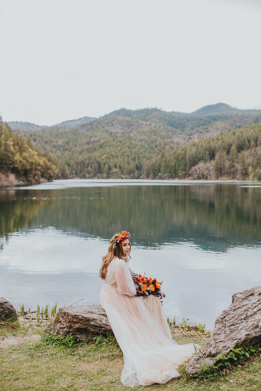 Southern Oregon Lakeside Elopement