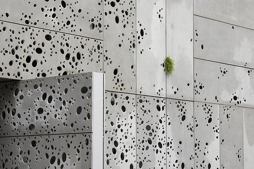Détail de la façade © Stefan Tuchila