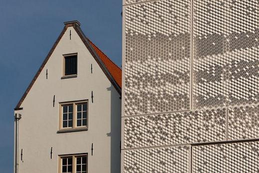 Between the Sheets — © Hans Peter Föllmi Luuk Kramer Abbink X Co