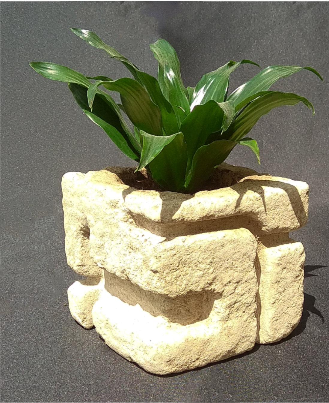 maceta de piedra artesanal
