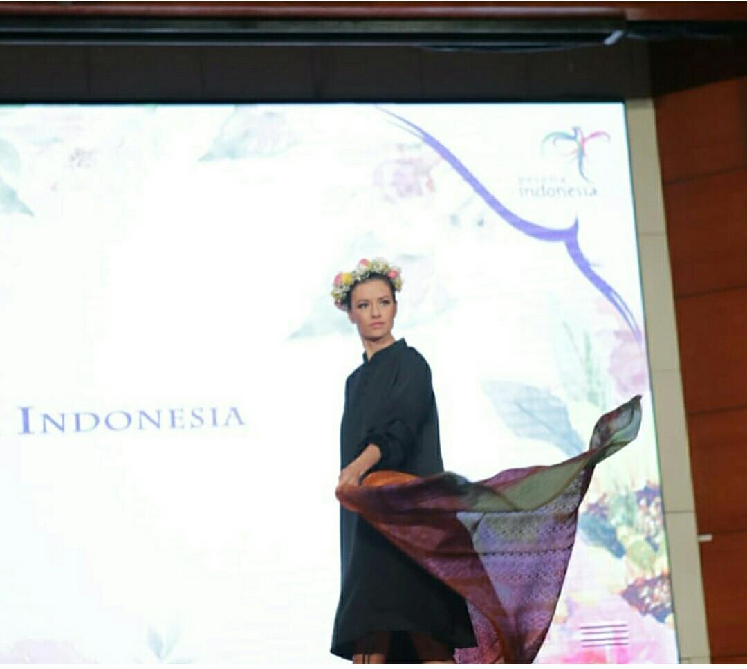 Batik Coreta Louise-Tomohon Internationa