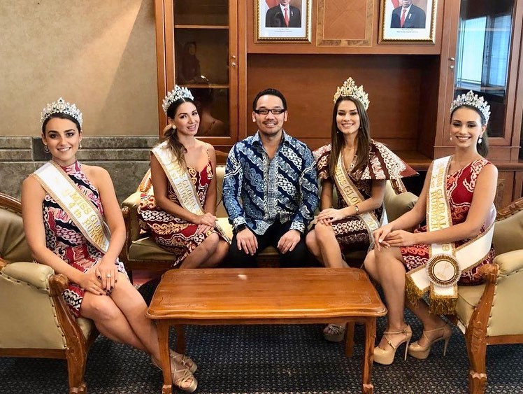 Miss Global 2019-Batik Coreta Louise-Vis