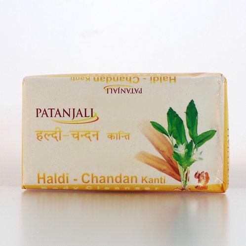 Savon Chandan Haldi Kanti Patanjali