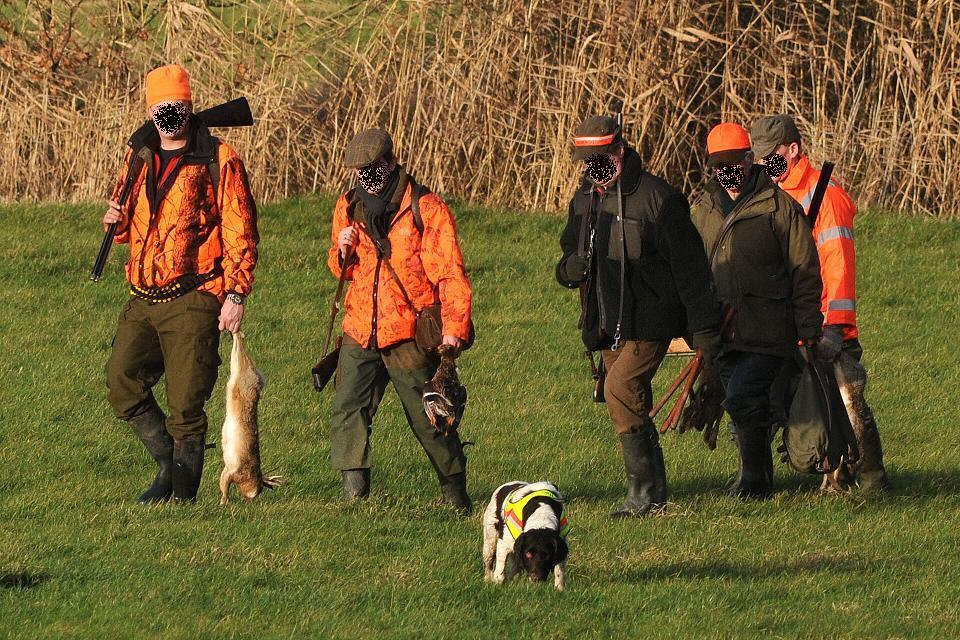 Jäger bei einer Treibjagd