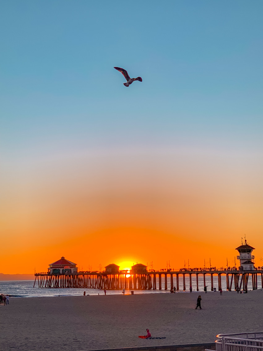 beach sunset photograph of the Huntington Beach pier
