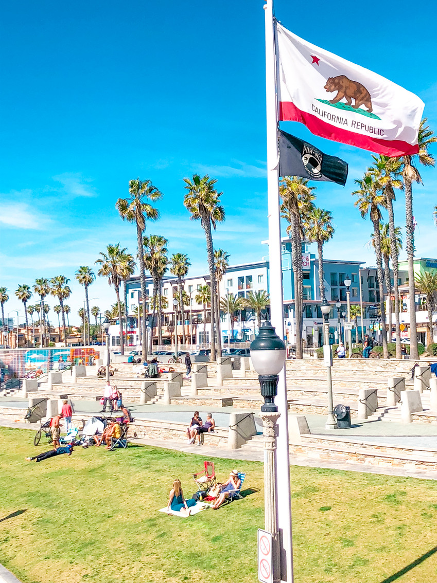 Huntington Beach Pier plaza on a summer day