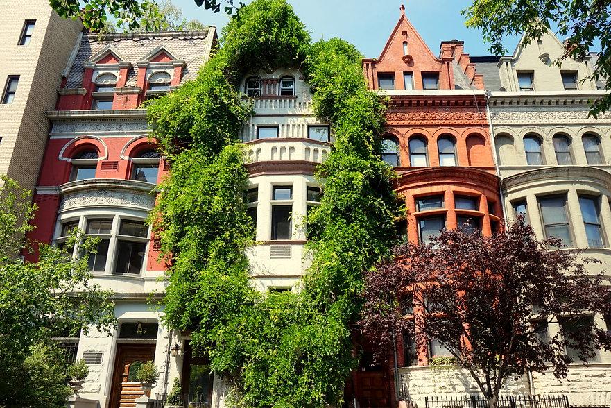 Houses in Upper West Side, New York.jpg