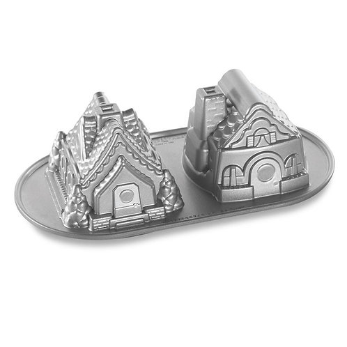 Forma Nordic Ware Gingerbread House Duet