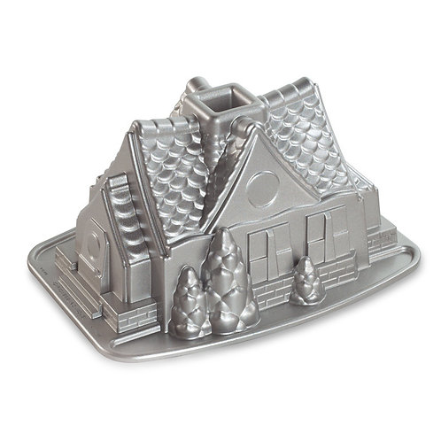 Forma Nordic Ware Gingerbread House