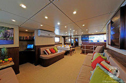 oai-yacht12w700h466crwidth700crheight466