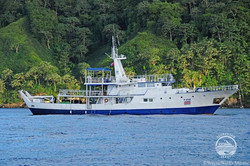 oai-yacht16w700h466crwidth700crheight466