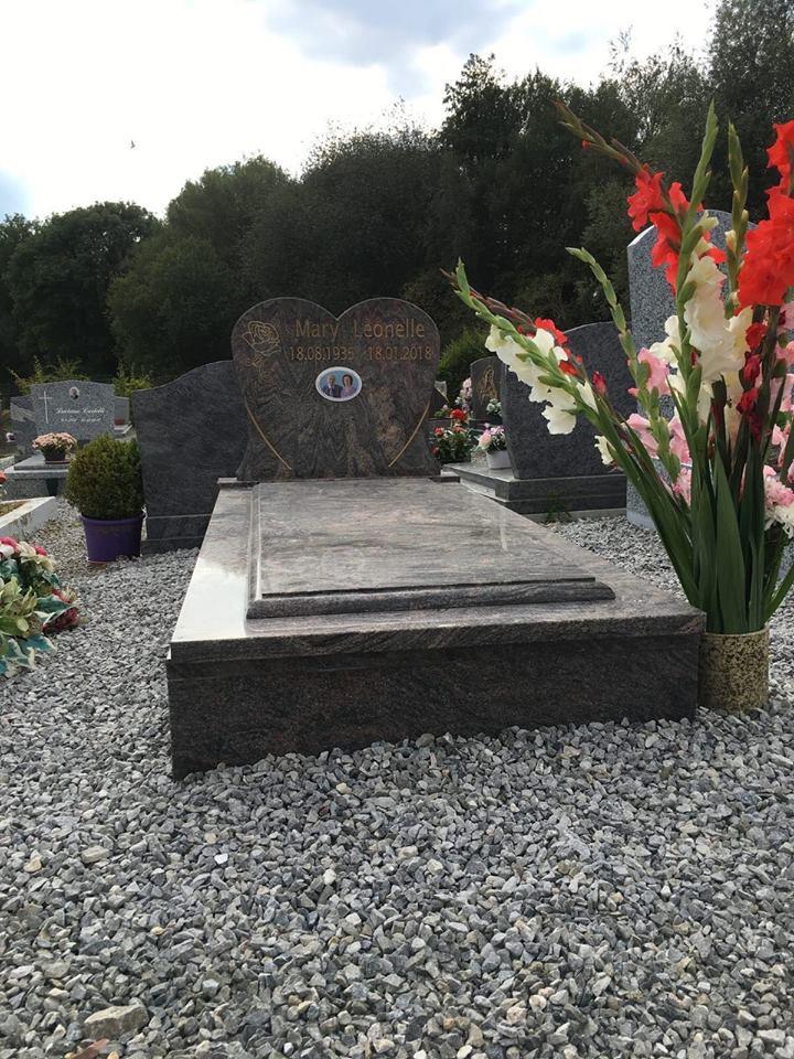 pierre tombale3.jpg