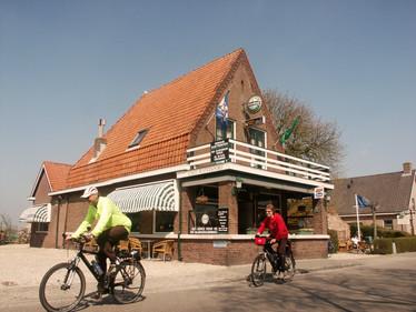 cafe watersport 2.jpg