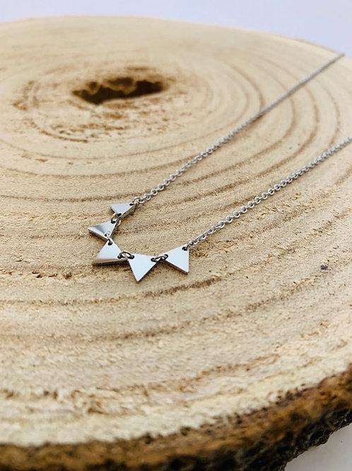 collier triangle acier argent