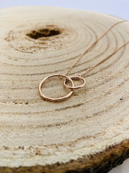 collier anneaux acier rose