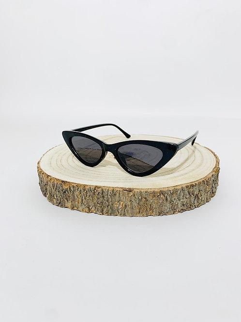 lunettes de soleil noires triangles femme