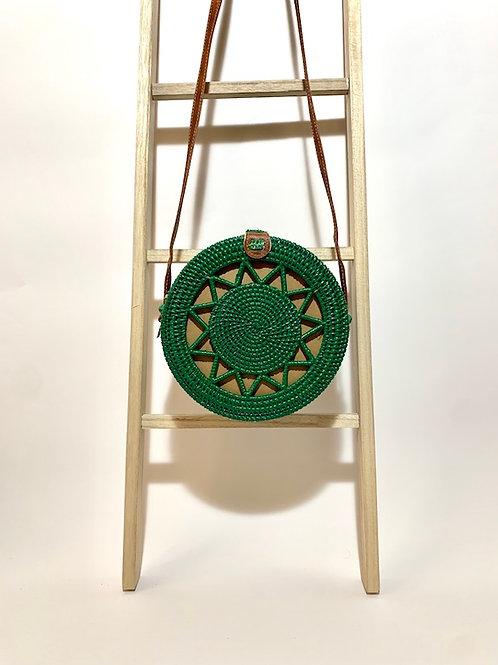 sac osier bandoulière à la main fleur vert eldorada