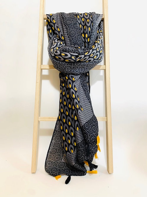 foulard pompom femme noir moutarde