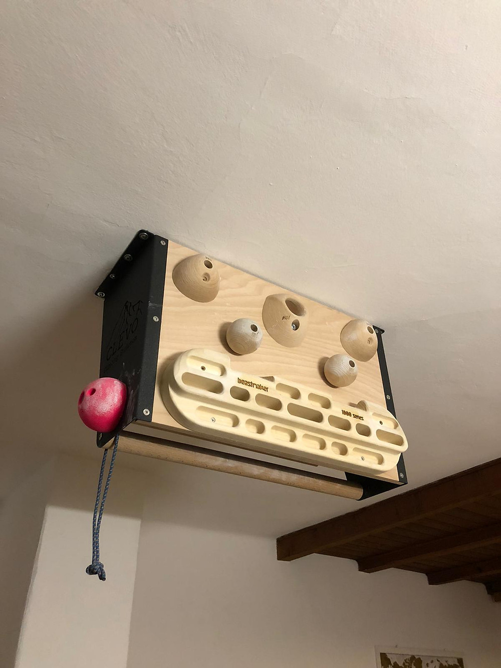 Climbing Evolution Hangboard Befestigung.