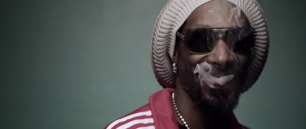SNOOP LION – SMOKE THE WEED FT. COLL