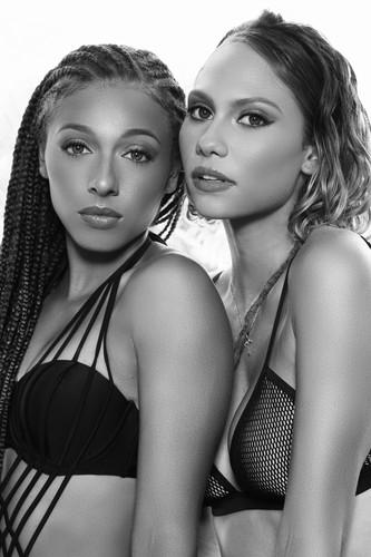 LOUD 87 - Summer Bronze - Alisa & Tamina