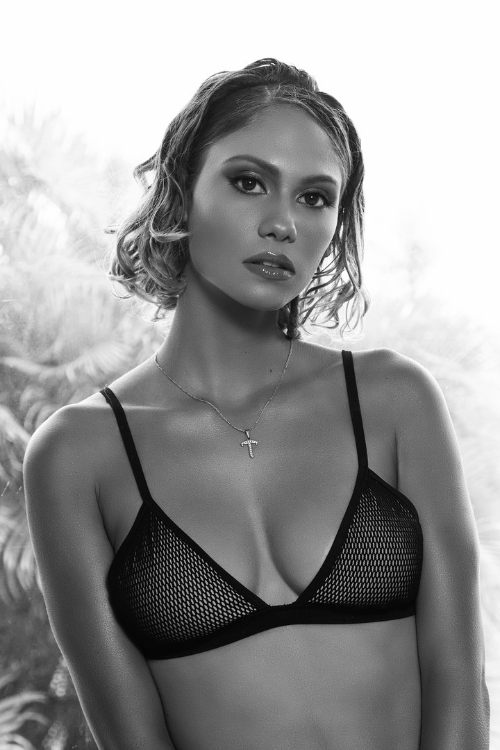 LOUD 87 - Summer Bronze - Tamina - Black