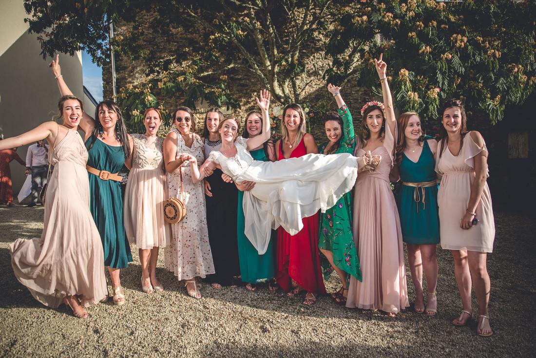 photo de groupe mariage au manoir de Kerbot à Sarzeau