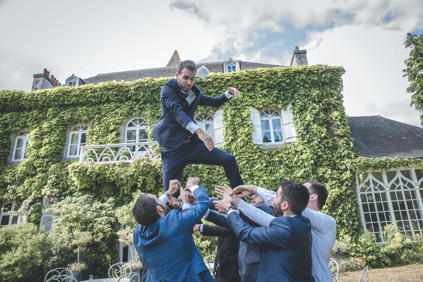 Photo de groupe, mariage au manoir de la Bruyère, Le Foeil