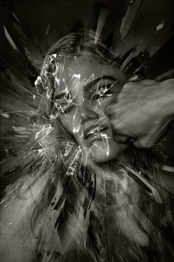 """""""Rompiendo mi jaula de cristal"""""""