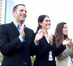 Salariés qui applaudissent