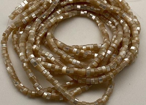 fil d'heishi coquille de trochus naturels 3.5-4x2-2.5mm brun doré