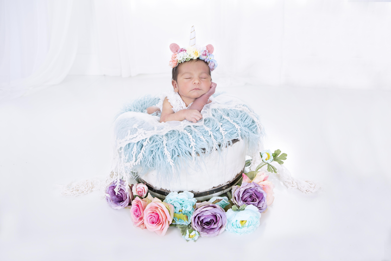 Gianna R Newborns 058r