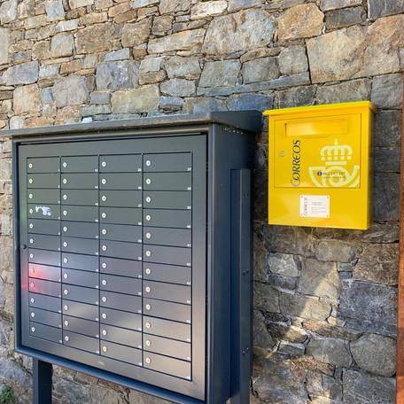 Correus instal·la una nova bústia a Espinavell