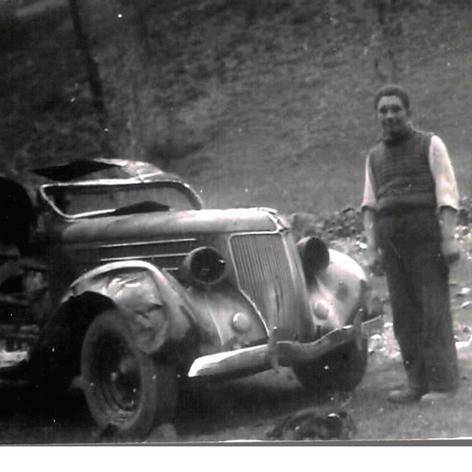 Posteriorment restaurat i servint de taxi fins als anys 1960.