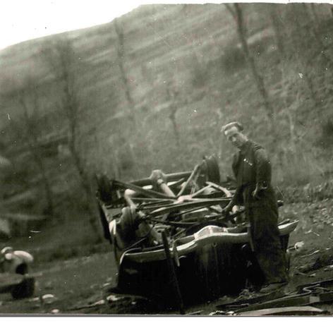 Destruït pels republicans durant la retirada a Les Planes d'Espinavell.