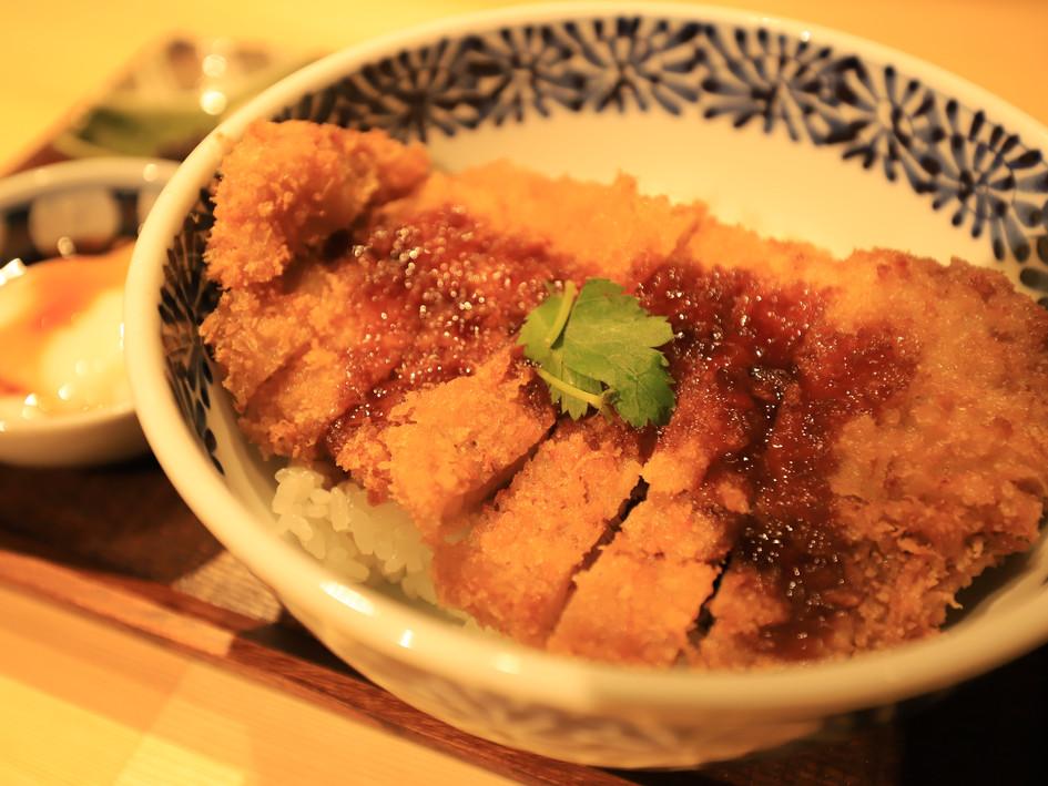 タレかつ丼(温玉付き) ¥1200