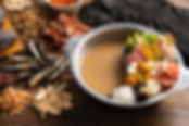 ◆お得な薬膳鍋コース(スープ、具材、〆麺、飲茶、薬膳茶のセット) 1人前/¥1980(税込)各種オプションもあります♪  ◆健彩麺(お好きなスープ、麺、具材をお選びいただけます) 1人前/¥1100(税込)各種オプションもあります♪  ◆米粉を使った和漢カレー(十五穀米セット) 1人前/¥1100(税込)ご飯大盛などオプションあります♪  ◆花椒香る汁なし担々麺 1人前/¥980(税込)各種オプションもあります♪  ◆その他にも薬膳スープや飲茶なども販売しております、詳細は店舗にお電話くださいませ♪