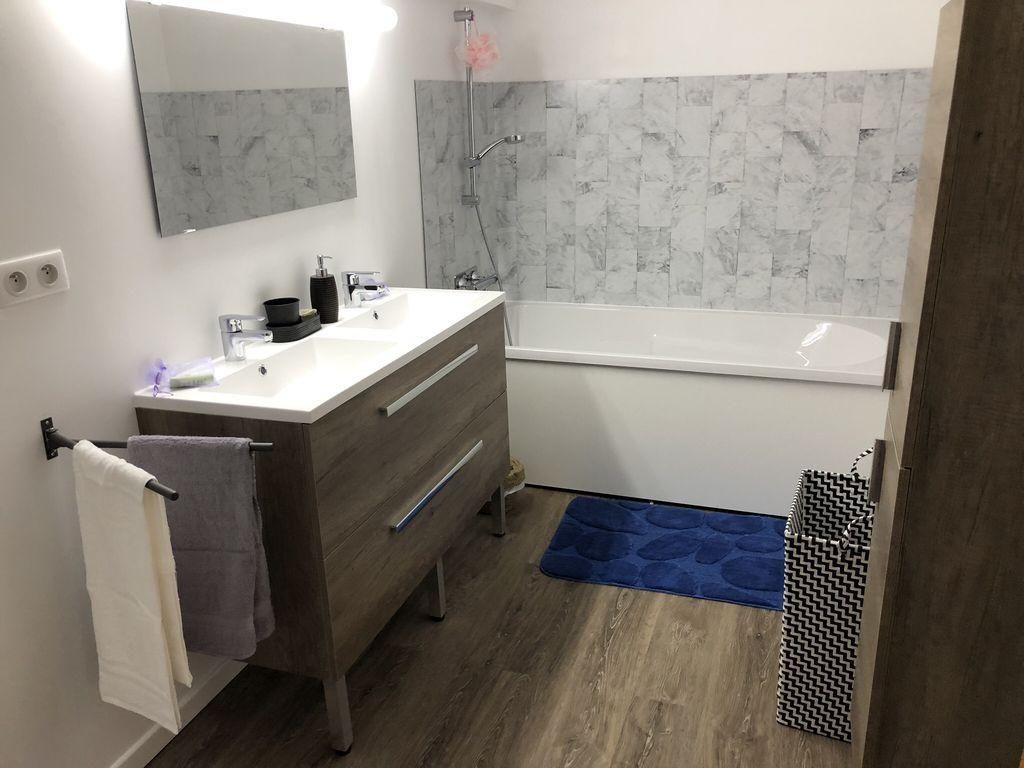 salle-de-bain-gite-chateau-rousset