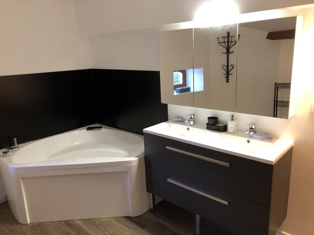 salle-de-bain-gite-grande-capacite