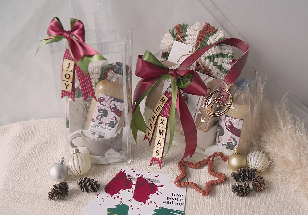 Rustic Christmas Hampers by Cecemuwe, delivery from Jakarta Selatan.