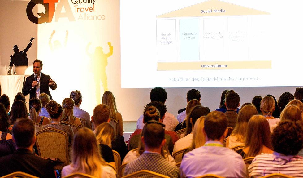 Prof. Dr. Sebastian Pioch, Vortrag, Keynote