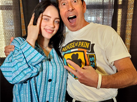 BILLIE EILISH BACKSTAGE AND IN THE MIX WITH HK™
