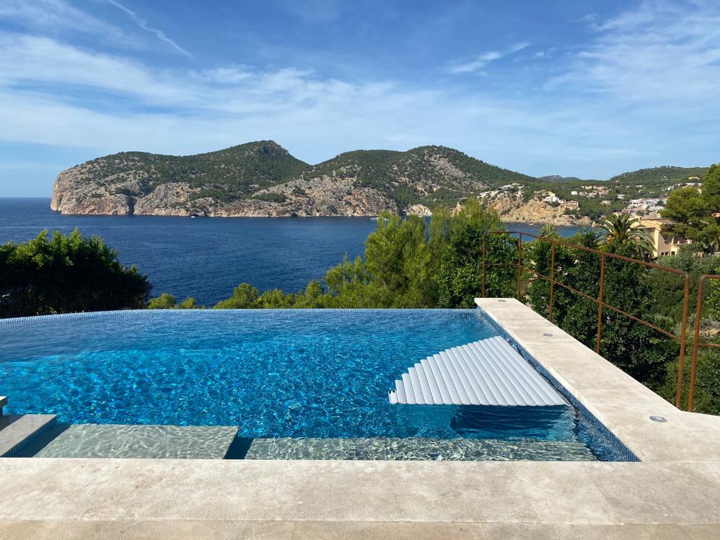 Construcción Infinity Pool con vista mar en Mallorca