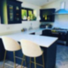 Stylish dark blue kitchen - Jose Kennedy