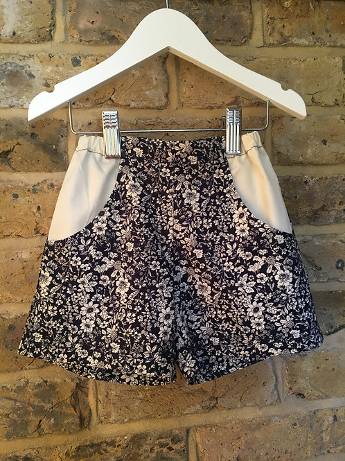 Shorts - Navy ditzy floral